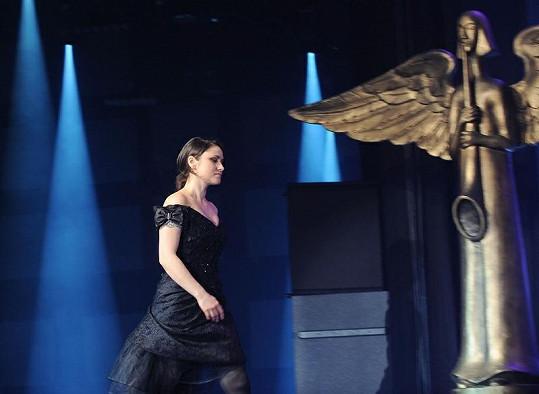 Pro Anděla za zpěvačku roku si došla Lenka Dusilová.