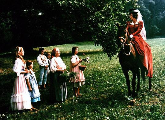 Fialová ve filmu Babička (1971)