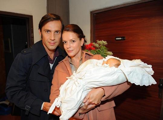 Andrea Kerestešová s Romanem Vojtkem a miminkem.