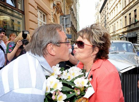 Narozeniny Jiřina oslavila v restauraci Pavla Zedníčka a jeho přítelkyně Hanky.
