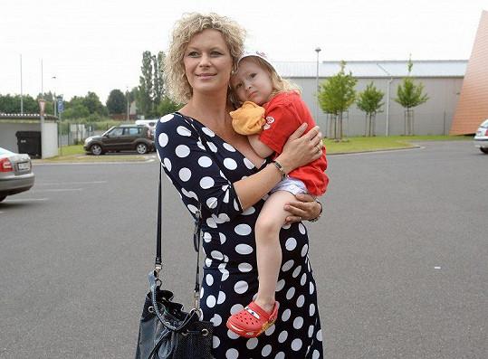 Stočesová s dcerou v roce 2014