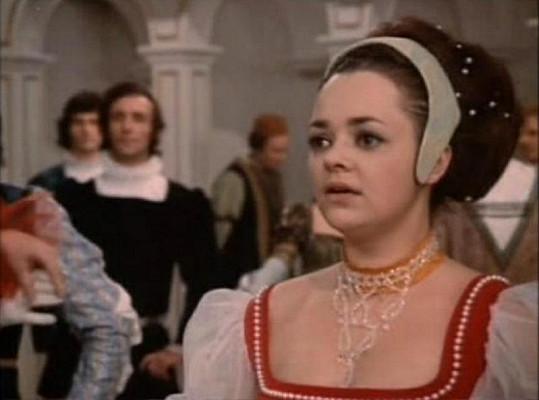 Maminka Lucie Dana Hlaváčová jako Dora v Třech oříšcích pro Popelku.