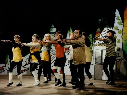 Jako baletní mistr Hugo bavil diváky v komedii Jak svět přichází o básníky.