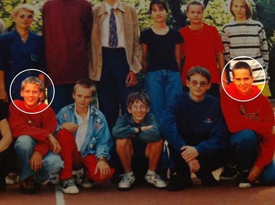 František Soukup a Jakub Prachař na školní fotce z roku 97/98.