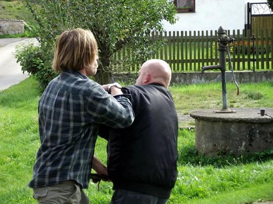 Karel Roden se pouští do hereckého kolegy z filmu Signál.