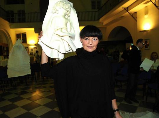 Panenka Liběny Rochové se dražila jako první, výtěžek byl 35 tisíc korun.