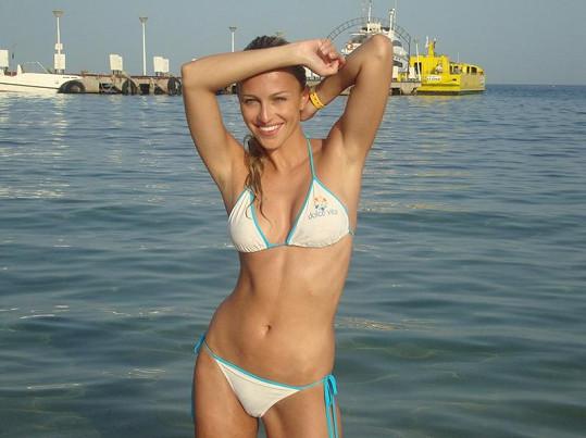 Renata Langmannová je v plavkách kus