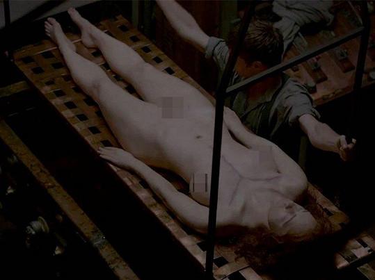 Billie Piper v seriálu zemřela, ale opět se vrátí na scénu.