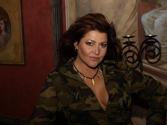 Ilona Csáková chodila svého času bez podprsenky.