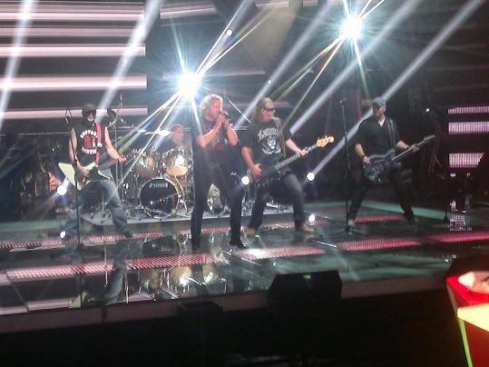Skupina Kabát vystoupí s písní Banditi di Praga.