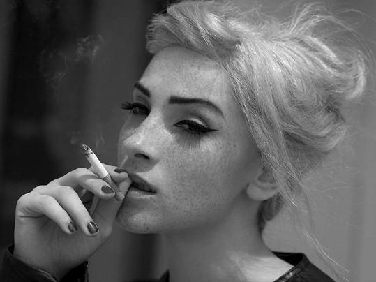 Vica s cigaretou v kalendáři nevyjde.