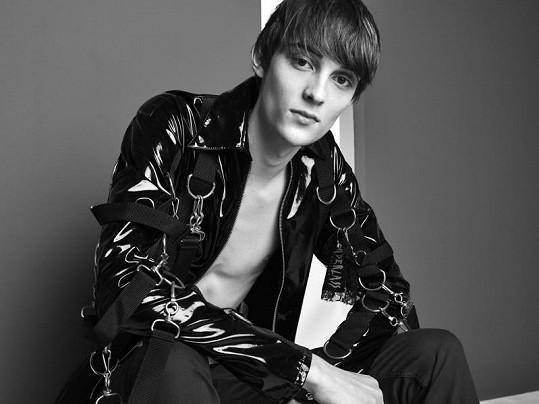 Chamula zviditelnil slovenský mužský modeling.