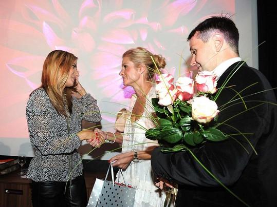 Vlasta Korec s manželkou blahopřáli Evě Decastelo.