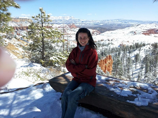 Dagmar Zázvůrková u Bryce Canyonu.