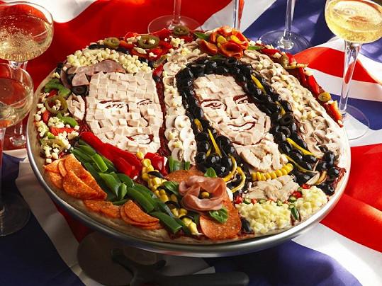Na portrétu novomanželů si mohou pochutnat i milovníci pizzy.