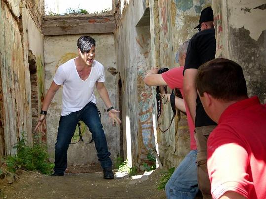 Mrózek natočil svůj první klip pod režisérskou taktovkou Davida Beránka.