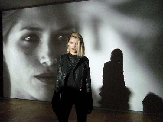 Hana na prezentaci v Düsseldorfu.