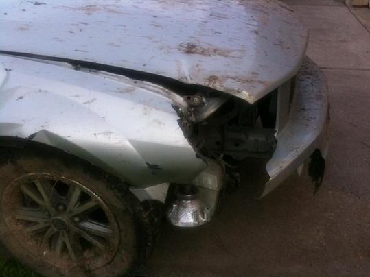 Takto dopadlo její auto po střetu se stromem.