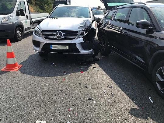 Takhle dopadlo její auto.