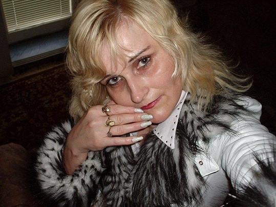 Katarina na civilní fotce.