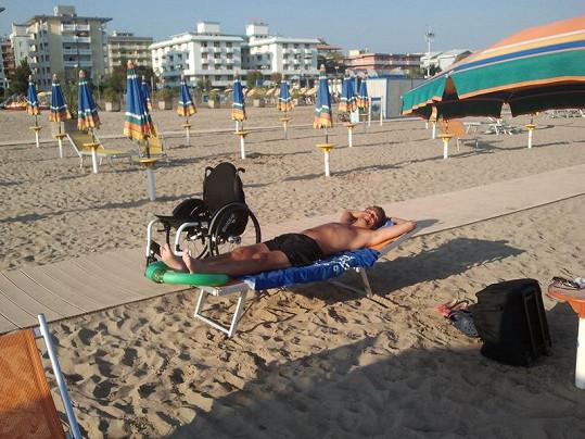 Martin Zach na pláži v Bibione.