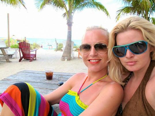 Martina Pártlová s Nikol Štíbrovou si užívají na Floridě.
