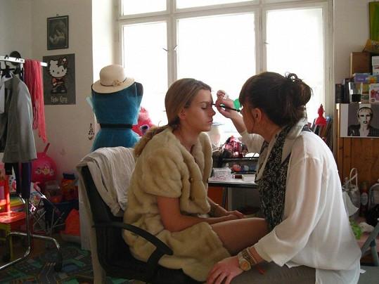 O make-up ve stylu zpěvačky Lady Gaga se postarala Pavlína Žďánská.