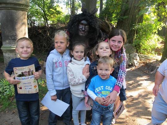 Jakub Mareš, Charlotte Ella, Daník Voneš i další děti byly z pohádkové stezky plné kouzel nadšené.