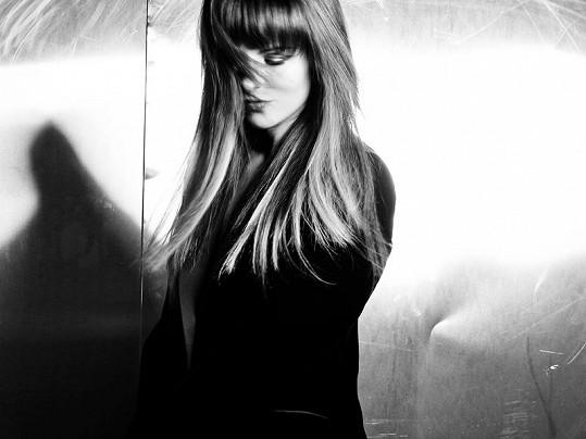 Katarína Knechtová vypadá na fotkách k novému albu Tajomstvá opravdu nádherně.