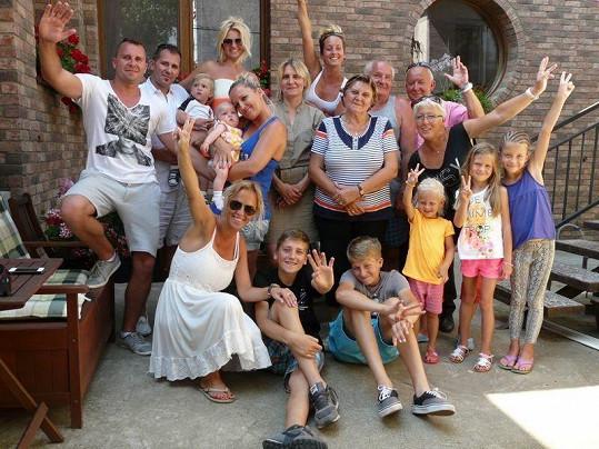 Společné foto celé rodiny