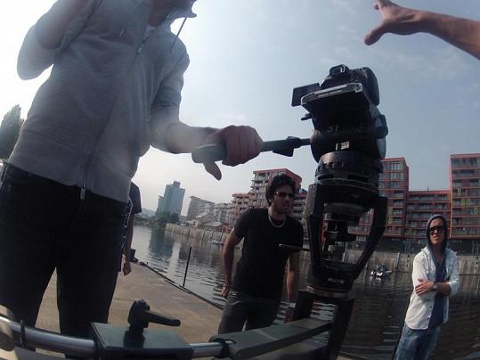 Režie videoklipu se ujal Ben Cristovao.
