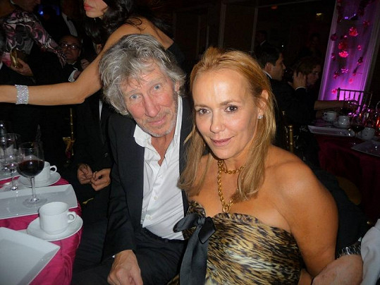 Roger Waters a Laurnie Durning.