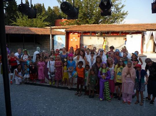 Hanka s dětmi, které si dětský karneval užily.