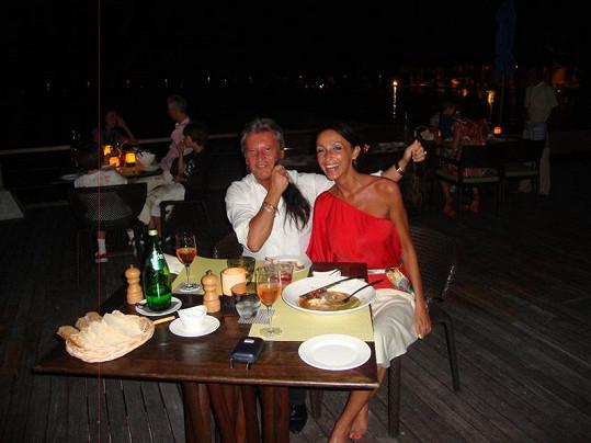 Sisa Sklovska s manželem.