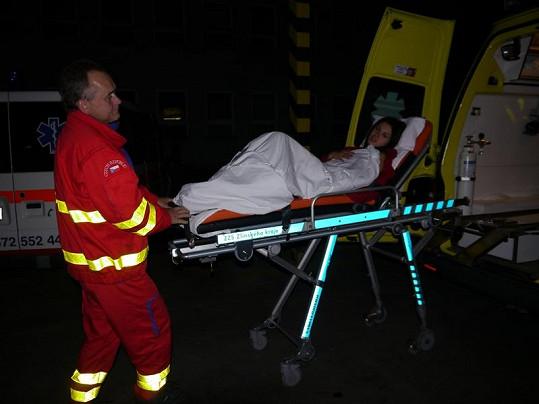 Janu čekal rychlý převoz do nemocnice.