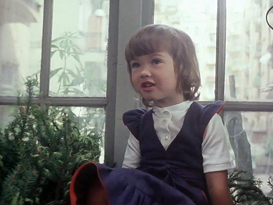 Ve filmu Den pro mou lásku si malá Sylva Kamenická zahrála holčičku Marušku, která náhle zemře.