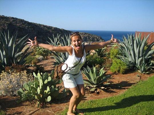 Monika na cestě za poznáním krétské přírody.