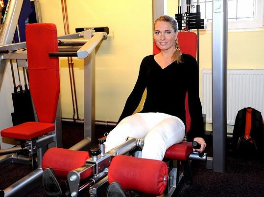 Olga Menzeloá ví, že její stehna a zadek nejsou ideální.