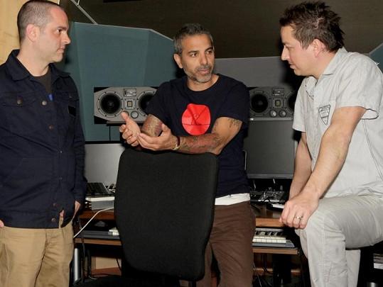 Petr Bende s Carmenem a Jamiem při natáčení singlu Láska.