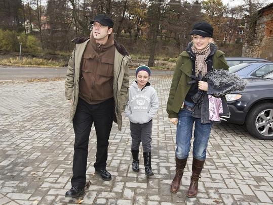 Ivana Jirešová dorazila s manželem a dcerou.