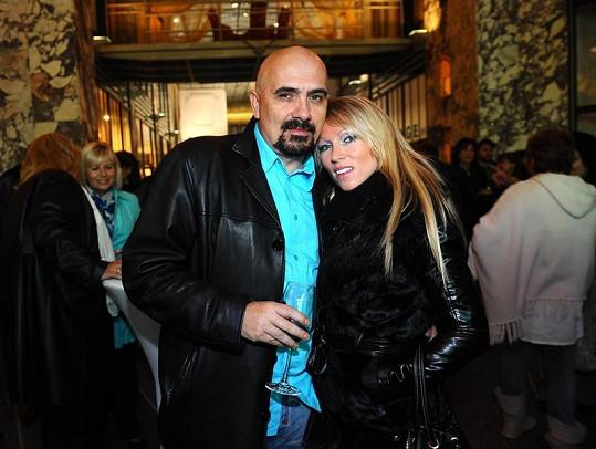 Čestmír Řanda se zpěvačkou Terezou Sloukovou, s níž má syna Kristiana.