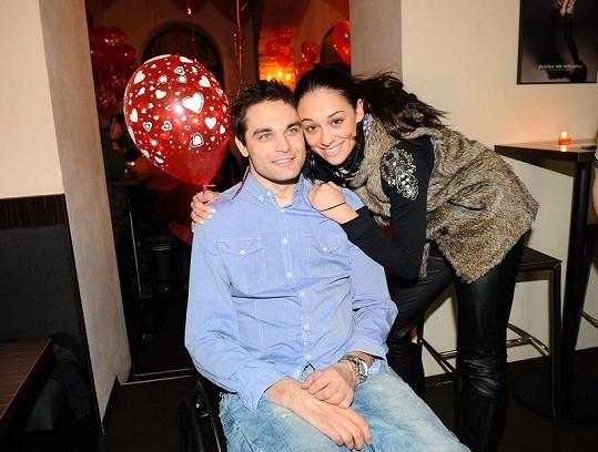 Martin Zach s přítelkyní Nikolou na valentýnské párty
