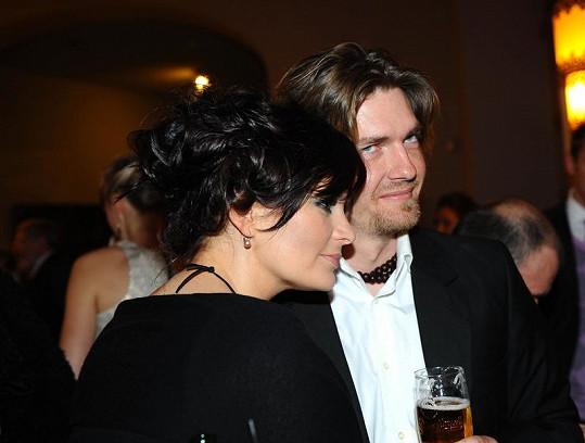 Jitka Čvančarová s manželem Petrem Čadkem si užili první večírek od porodu.