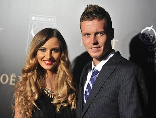 Ester Sátorová a Tomáš Berdych na Charity Gala.