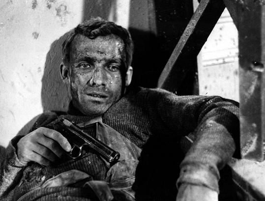 Rudolf Jelínek coby Jan Kubiš ve filmu Atentát