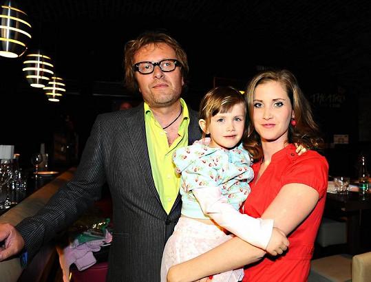 Jana Bernášková s dcerou a bývalým partnerem.
