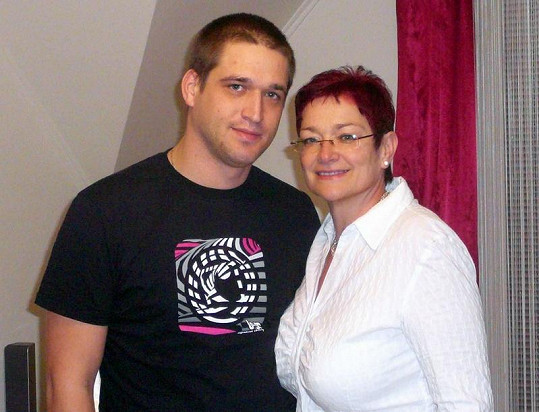Josef Rychtář mladší s matkou Darinou Rychtářovou.