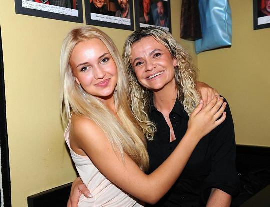 Dominika s maminkou.