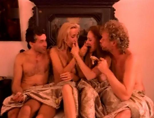 ... a nakonec všichni čtyři skončí v jedné posteli.