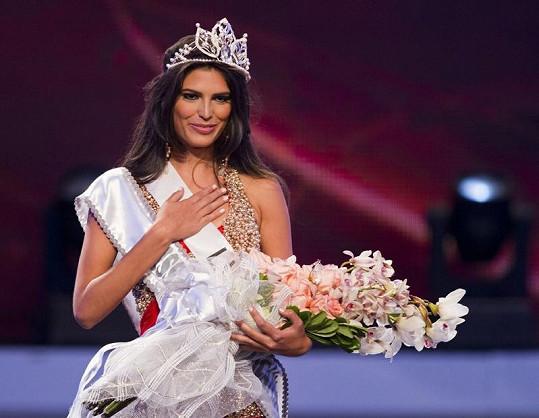 Carlina Durán přišla o titul Miss.